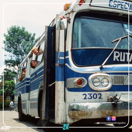 TJES – Homem que viajava com o braço para fora de ônibus deve ser indenizado após acidente