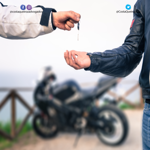 Comprador de moto é condenado a pagar indenização a ex-dono por não transferir o veículo
