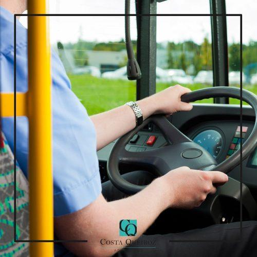 Motorista de ônibus pode acumular função de cobrador